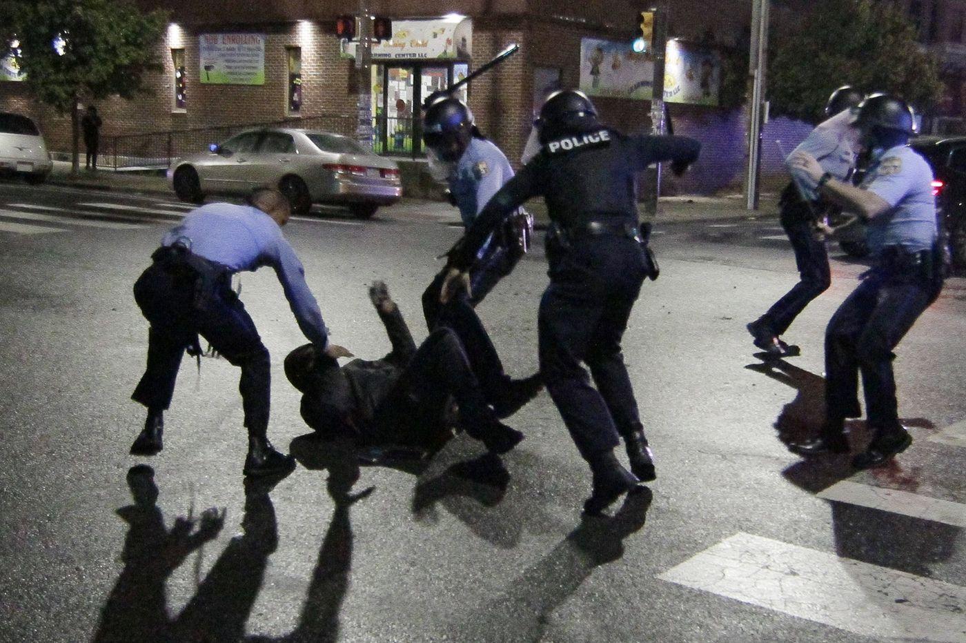 Protesta por la muerte de Wallace - El Sol Latino