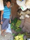 Magadlena, la dona d elos guineos maduros de La Higuera