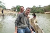 Creuent l'Artibonito per estar en Haití