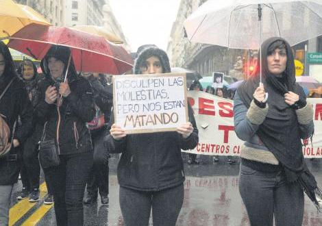 mujeres marcha