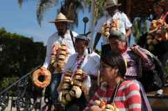 Los concejales del CIG fueron recibidos con un enroso en el pueblo de Sayula, Jalisco