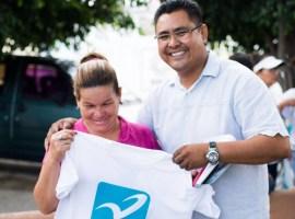 Edwin Romero recorre colonias de Tuxpan