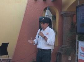 Pepe Guerrero se compromete en las colonias de Zapotlán