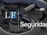 Motocicleta y automóvil protagonizan accidente en Autlán