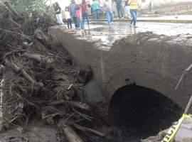 Una mujer falleció y tres desaparecidas en San Gabriel a causa de las inundaciones