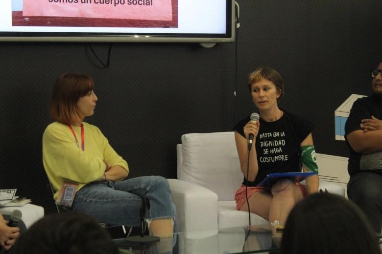 No hablaré de mi obra, porque en Chile las bibliotecas están cerradas: Natalia Metzner