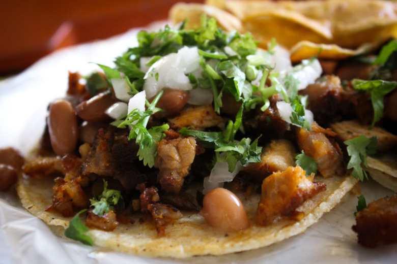 Tacos: entre calles y portales