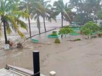 Henán deja afectaciones en la costa de Jalisco, PC base Ciudad Guzmán apoya en trabajos