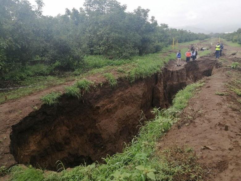 10 mdp costará reparar carretera en Sayula afectada por grietas