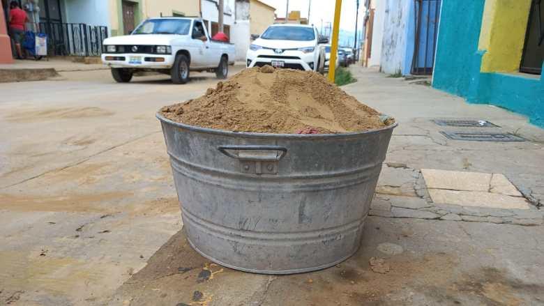Agroindustria, causante de arrastre de tierra que llega a la ciudad. También afecta a la laguna