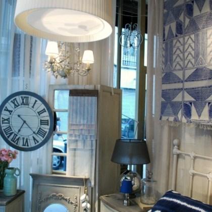 Decoración escaparate tienda, lámpara pantalla, dormitorio francés, estilo industrial