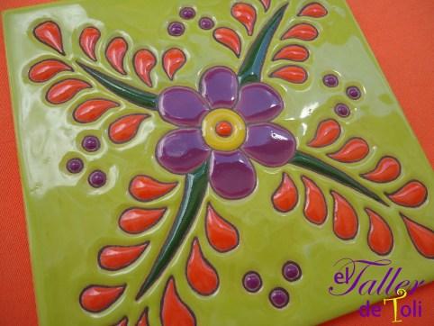 Mayólica artesanal realizada en el Taller.