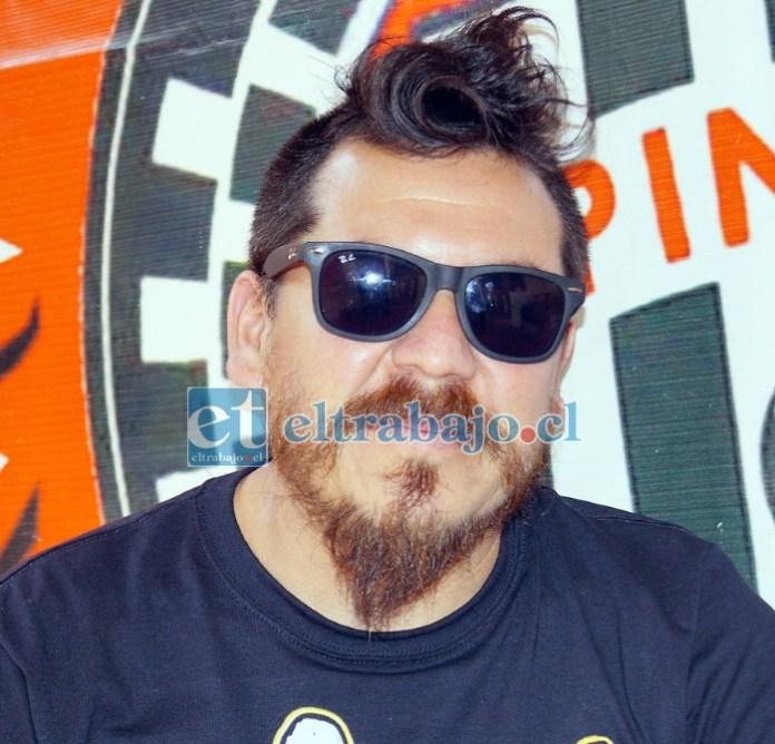 Vocalista de la banda, Francisco 'Pancho' Morales.