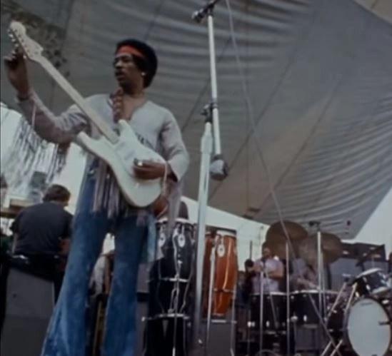 Jimmy-Hendrix-Woodstock69