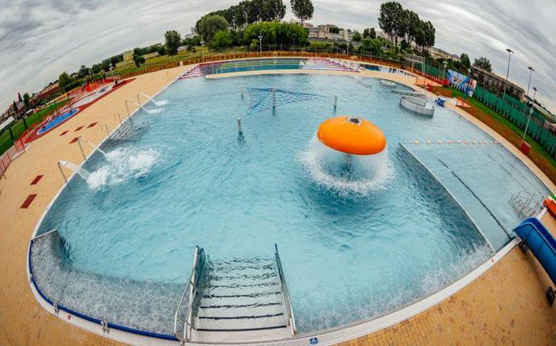 Zmiana godzin otwarcia basenów zewnętrznych w Lubinie. Ceny biletów