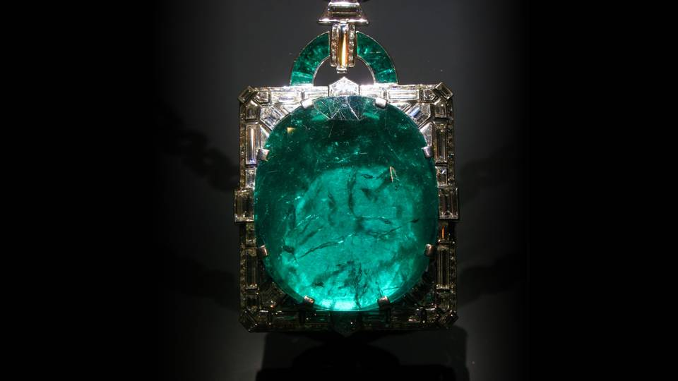 The Poet's Stone: Emerald Gemstone Meaning and Uses — Crystal Meanings