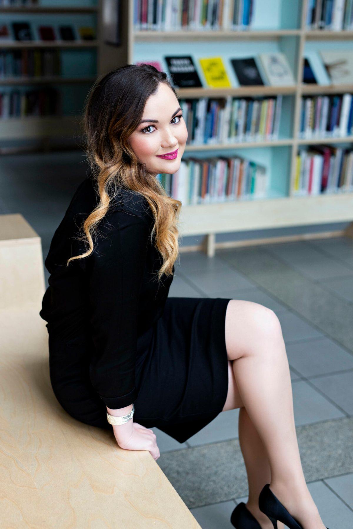 Estelle Pettersen author