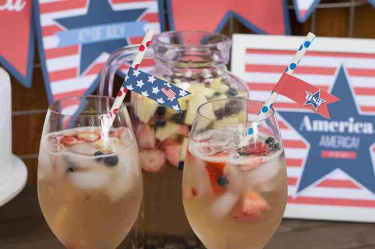 Free Printable 4th of July Straw Flag Decorations