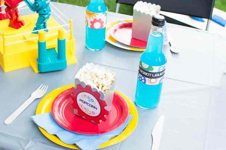 Robot Birthday Party Table Setting