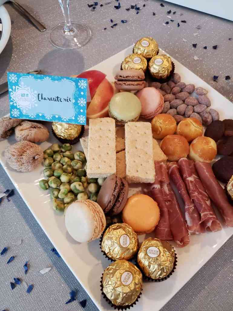 Customize these food tents or place cards with your own text