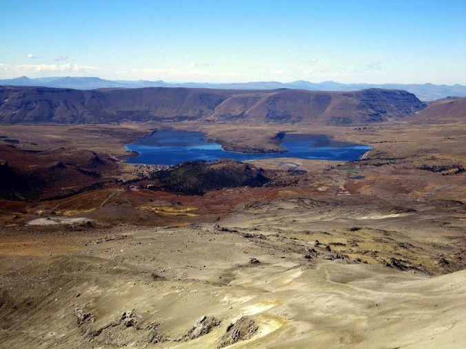 lago_caviahue_copahue_argentina_elviajenotermina_blog de viajes