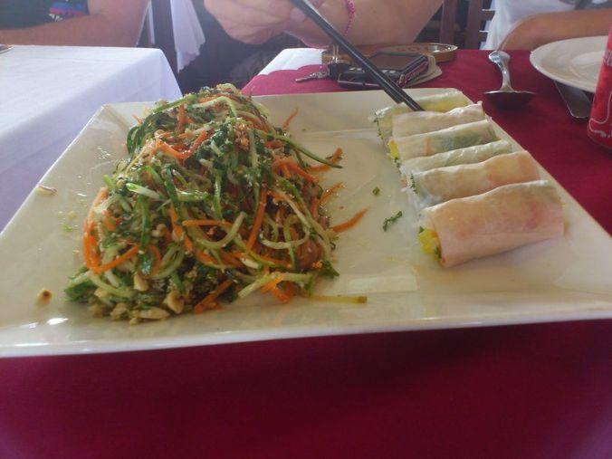 comida_halong_bay_vietnam_elviajenotermina_blog viajes