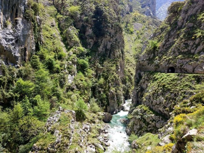 ruta del cares - asturias_blog viajes_el viaje no termina