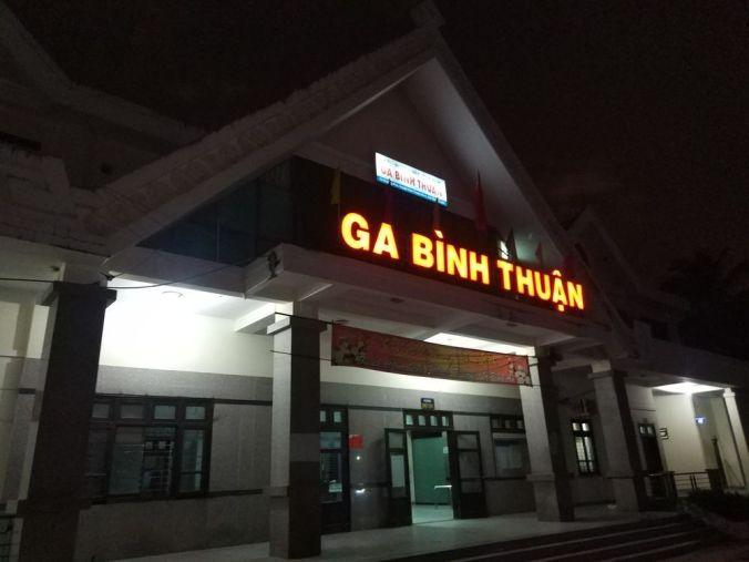 Estación de tren Binh Thuan - Mui Ne - Vietnam - El Viaje No Termina
