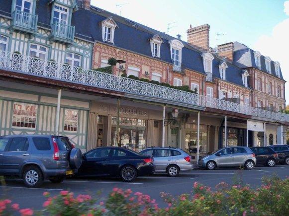 18_Tour-de-Vauban_Port-en-Bessin Recorriendo Normadía: Port-en-Bessin, Omaha, Cementerio americano, Trouville, Deauville y Honfleur