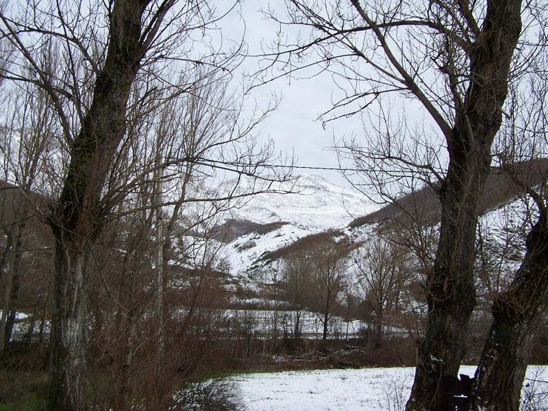 Montañas_nevadas_desde_Vegacervera