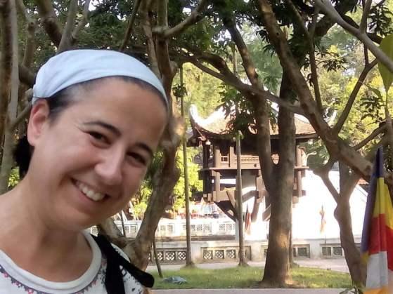 En la pagoda de un pilar en Hanoi