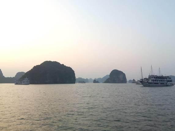 Atardecer en Halong Bay en Vietnam