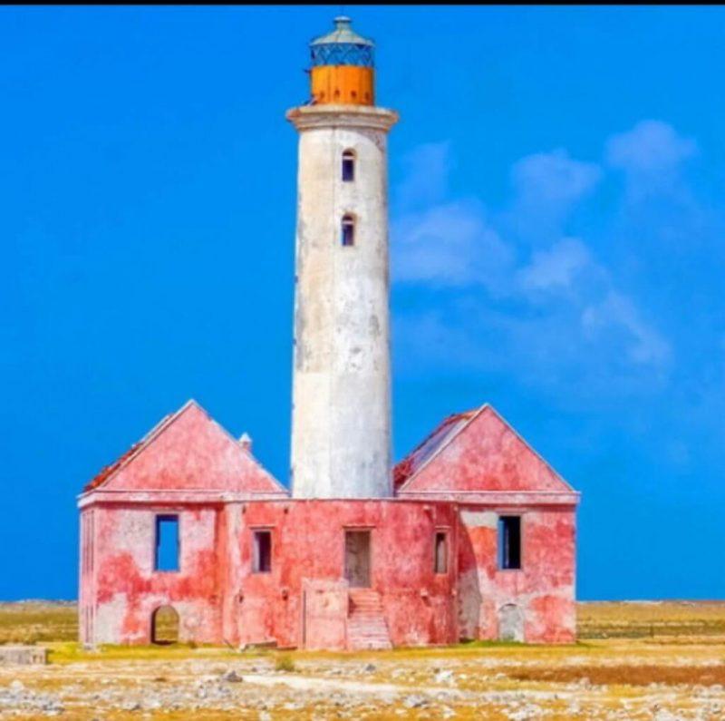 Faro de la isla de Klein en Curaçao_ Internet