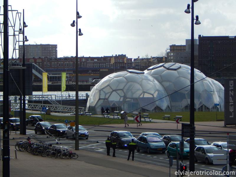 Pabellón flotante en Rotterdam