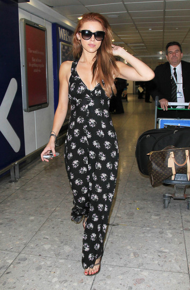 Una Healy Airport Outfit