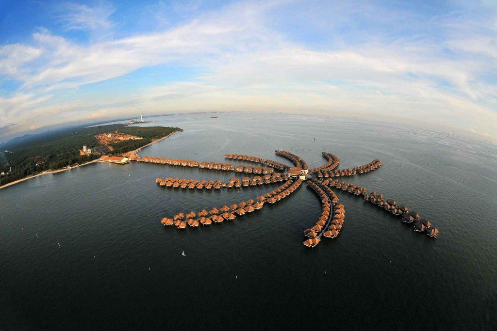 golden palm resort gold coast malaysia palm tree resort