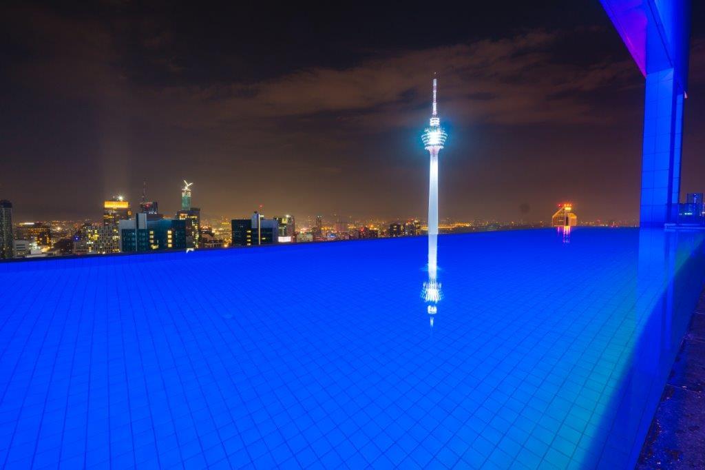 hotel kuala lumpur infinity pool skydeck kuala lumpur