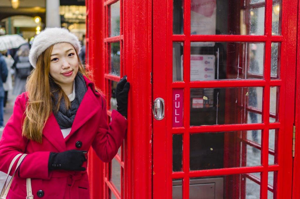 red telephone booth british culture