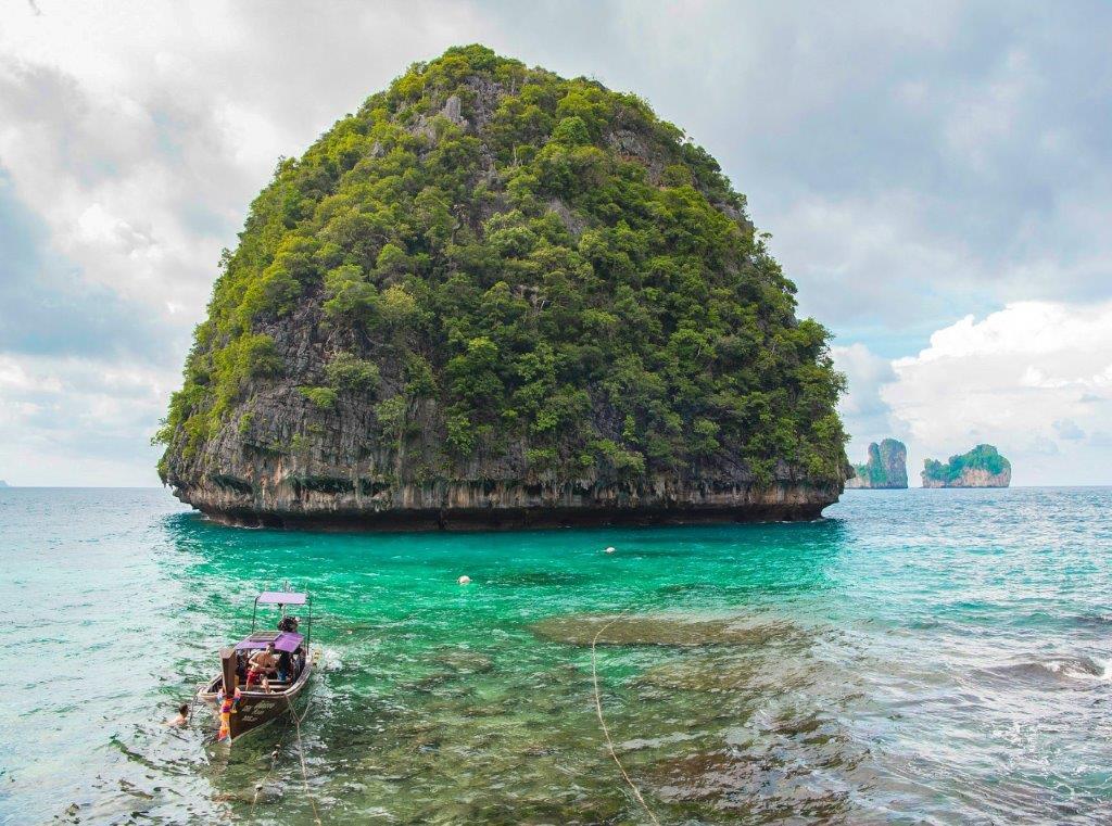 Loh Samah Bay phi phi island, phuket island tour