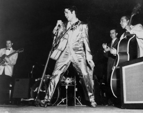 Elvis_Live_57_GoldSuit_900
