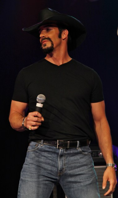 Tim McGraw (Rob Ely)