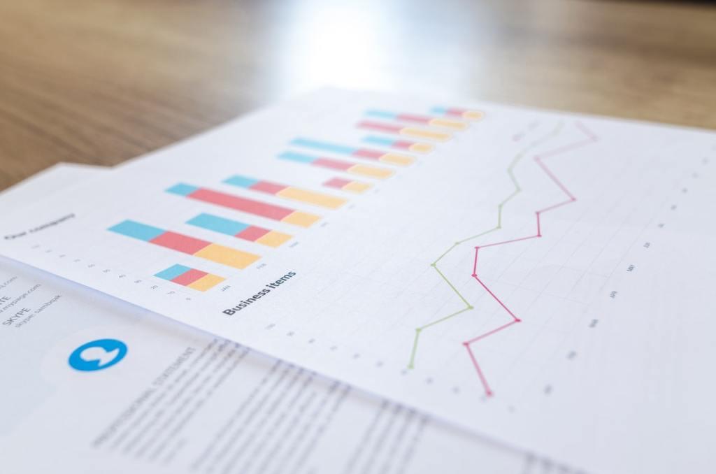 Analytics - Graph and Line Chart