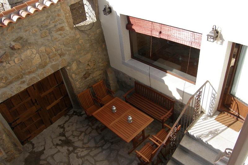 El patio de El Zahorí, es otro de esos lugares cómodos de la casa