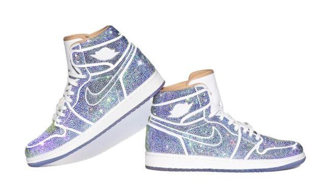 Estas Air Jordan 1 Los Angeles están decoradas con más de 15.000 cristales