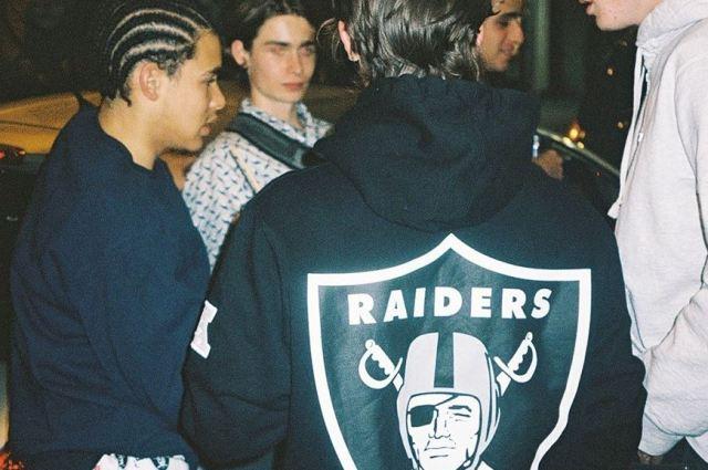 Presentada la nueva colaboración Supreme x Raiders de Oakland 2019