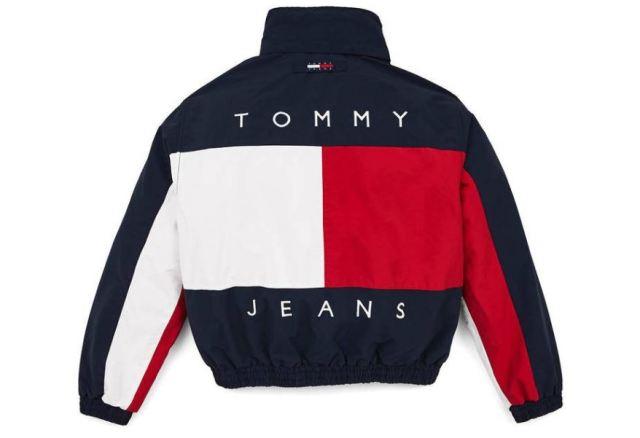 Tommy Jeans retrocede en el tiempo para lanzar prendas vintage de los 90