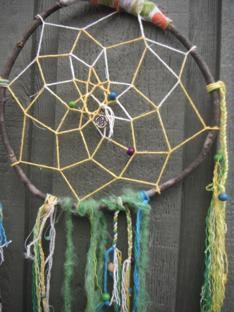 color fading yarn in the center to make the web