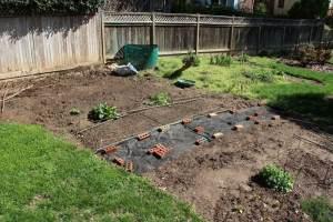 DIY landscaping. Credit: WoodleyWonderWorks, FlickrCC