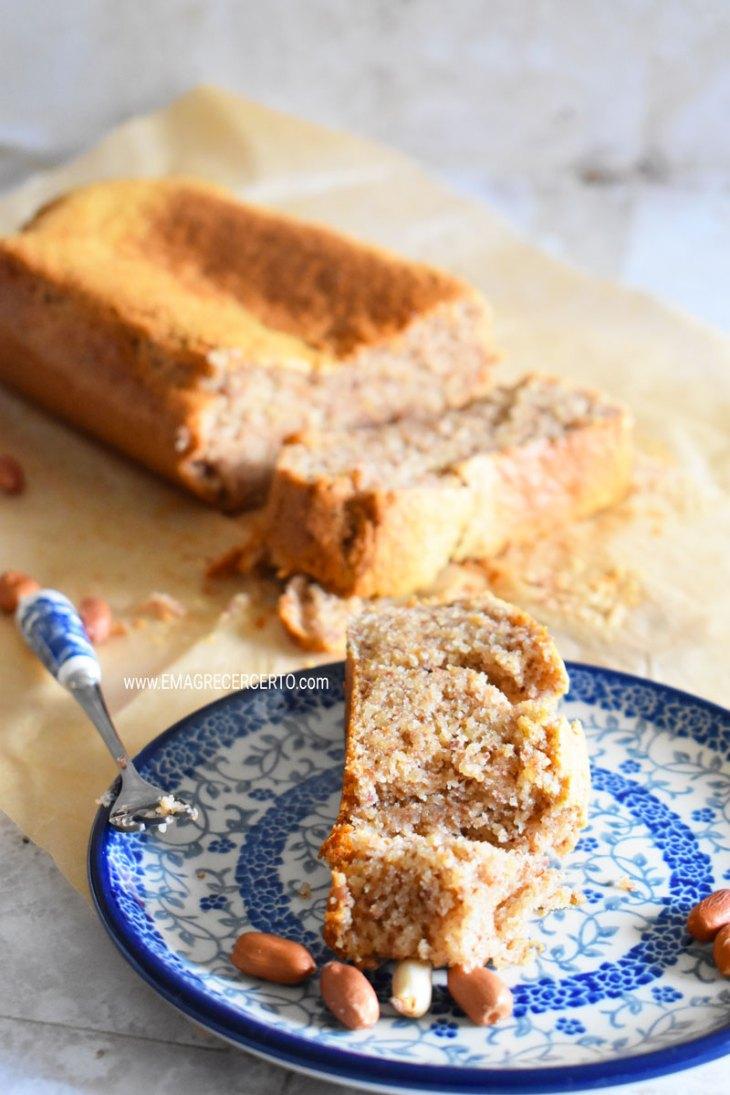 bolo de amendoim low carb