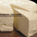 Prepare um queijo fresco e magro usando apenas leite, iogurte e limão
